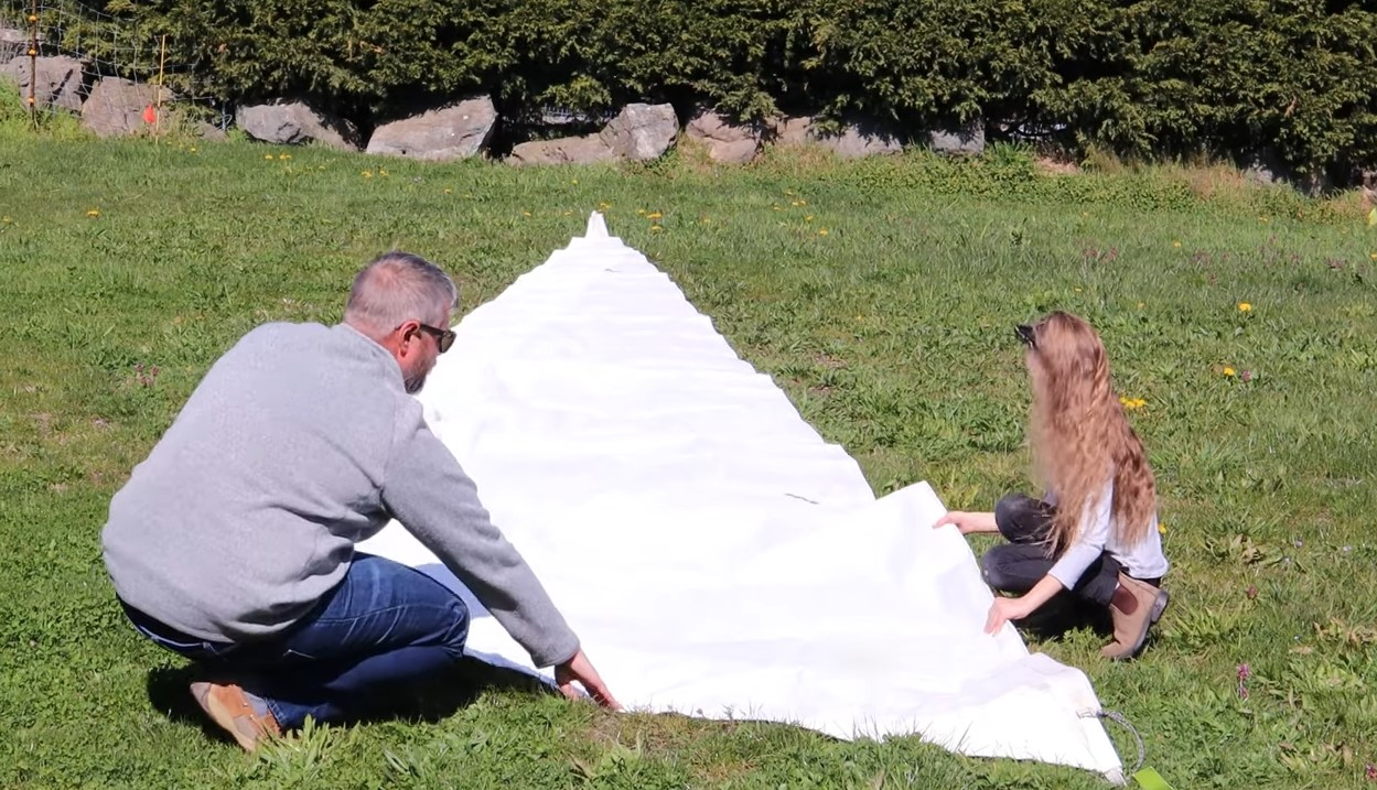 folding a sail